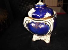 ANTIQUE GILDED COBALT BLUE CHINA POT & RESTORED LID ON FOUR FEET 16